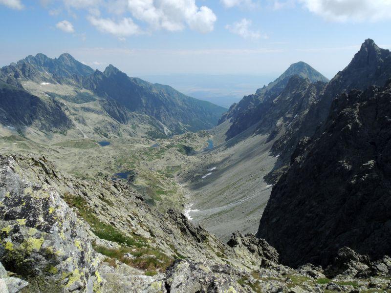 Výhľad z Východnej Vysokej do Veľkej Studenej doliny.