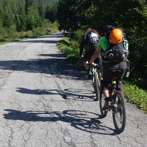 Na bicykli, lezenie v Galérii Ostrvy